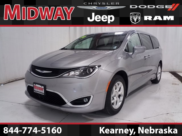 Chrysler Pacifica Van >> New 2020 Chrysler Pacifica Touring Fwd 4d Passenger Van